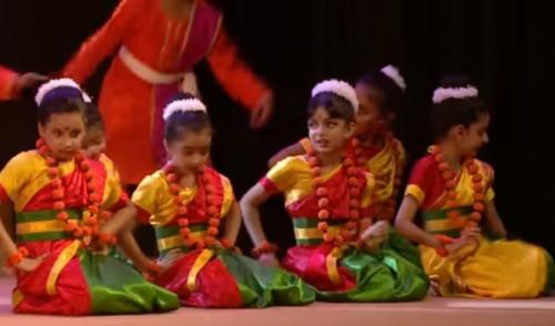Aaradhya Bachchan B4969cd9319cec8b7d89bb0a78930667.md